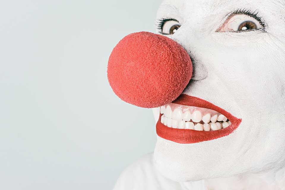 le nez qui chatouille significations et croyances